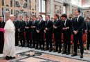 El deporte requiere respeto y trabajo en equipo, recuerda el Papa a campeones del mundo