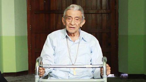 El Obispo emérito Alfonso Humberto está hospitalizado.