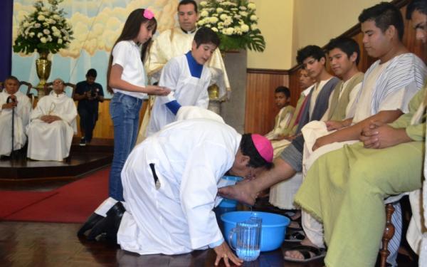 Eucaristía, sacerdocio y servicio