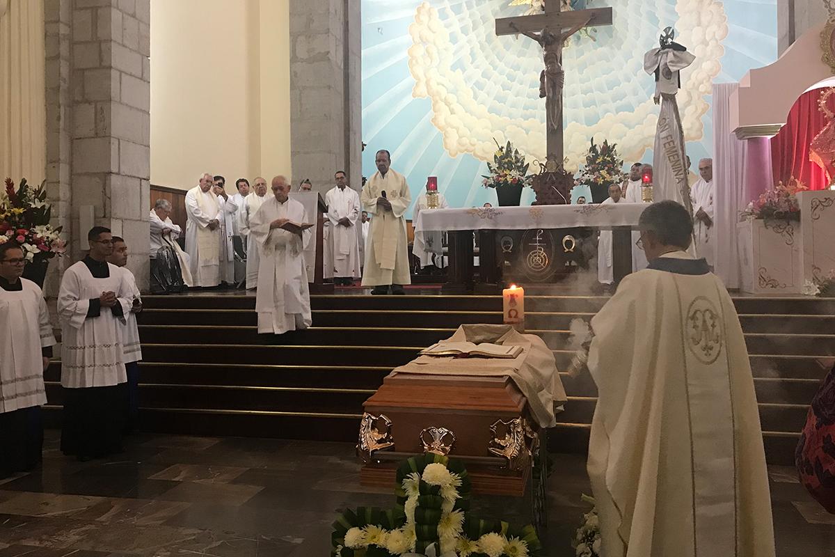 Exequias del Padre Ricardo García Lepe Ayón